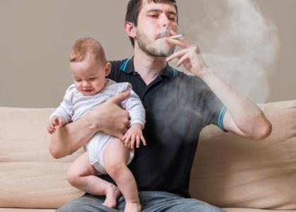 Nguy cơ ung thư phổi khi sống chung nhà với người nghiện thuốc lá
