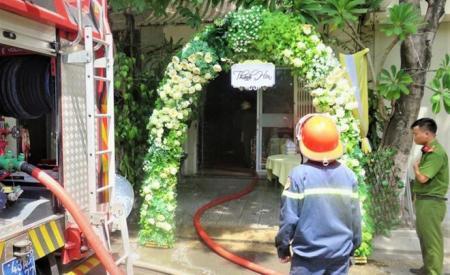 Lửa bùng phát tại căn nhà 3 tầng sau lễ thành hôn